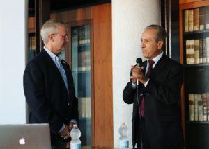 Il Dr. Hunter con l'Ing. Gennaro Russo, Center for Near Space